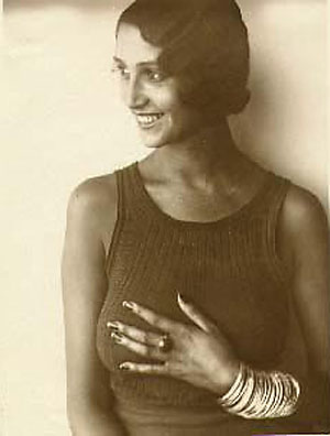 20120304042209-jacques-henri-lartigue-renee-perle-1930-1932.jpg
