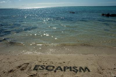20121112003556-mbstr-escapisml.jpg