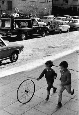 20121226173800-henri-cartier-bresson-palerme-italy-1971.jpg